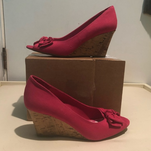 American Eagle Outfitters Shoes - Pink Open-toed Wedges NWT (sticker not tag)